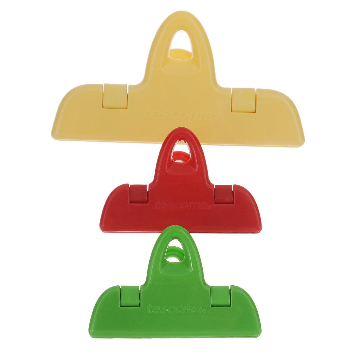Набор клипс для пакетов Tescoma Presto, 3 шт420762Набор Tescoma Presto состоит из трех разноцветных клипс для пакетов, изготовленных из прочной пластмассы. Изделия отлично подходят для закрывания пакетов с пищевыми продуктами, например, кофе, круп, печенья, чипсов и т.д. С такими клипсами продукты более длительное время сохраняются свежими, содержимое пакета защищено от внешних воздействий и от насекомых. Клипсы подходят для холодильника и посудомоечной машины. Длина клипс: 7 см, 11 см.