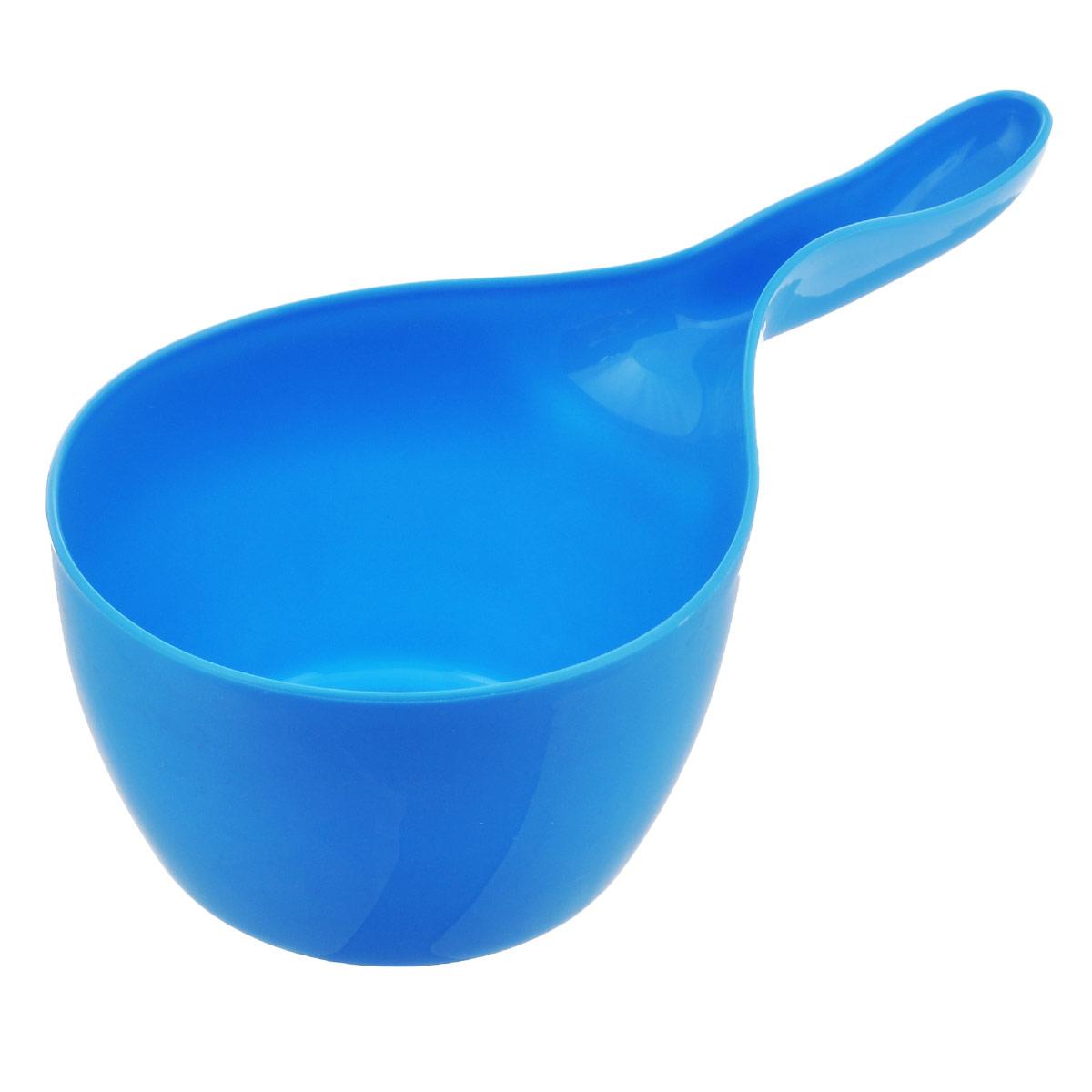 Ковш Oriental Way, 1,3 л, цвет: голубой10056_голубойКовш Oriental Way, изготовленный из высококачественного цветного пластика, непременно пригодится в хозяйстве. С его помощью вы сможете легко добавить воды в посуду при приготовлении пищи или же он поможет вам разбавить воду в детской ванночке. Изделие оснащено удобной ручкой. Практичный и удобный ковш займет достойное место среди хозяйственных аксессуаров в вашем доме. Длина ручки ковша: 11,5 см. Высота стенок ковша: 9 см.