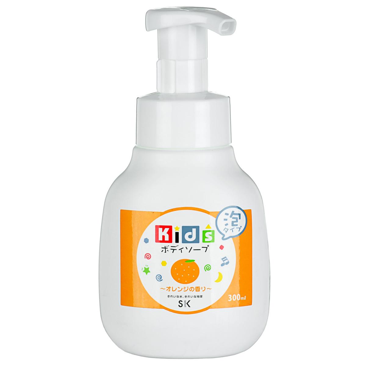 SK Kids Детское пенное мыло для тела с ароматом апельсина, 300 млА501007Воздушное детское пенное мыло порадует вашего малыша сочным ароматом апельсина и мыльными пузырьками! Очистит детскую кожу и обеспечит полноценный уход за ней, абсолютно безопасно. Экстракт апельсиновой цедры, в составе пенки, смягчит и окажет тонизирующее действие на нежную кожу. Не содержит ПАВ, искусственных красителей, ароматизаторов, антиоксидантов, поэтому мыло необходимо хранить в местах, защищенных от прямых солнечных лучей, высокой температуры и влажности. Проверено дерматологами.
