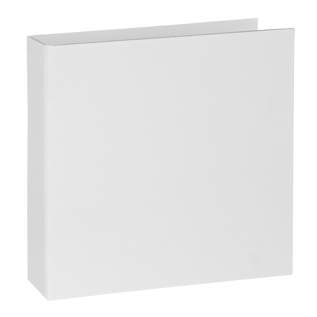 Обложка для скрап-альбома Zutter, цвет: белый, 15 см х 15 смZUT2842Обложка Zutter, с плоским корешком, изготовлена из плотного картона (чипборда) толщиной 2 мм, и предназначена для скрапбукинга. Отличие чипборда в том, что он ломается при сгибании, а не гнется. На одной из сторон обложки есть кармашек, за который можно закрепить заготовку. Задекорируйте обложку на свой вкус и она готова. Скрапбукинг - это хобби, которое способно приносить массу приятных эмоций не только человеку, который этим занимается, но и его близким, друзьям, родным. Это невероятно увлекательное занятие, которое поможет вам сохранить наиболее памятные и яркие моменты вашей жизни, а также интересно оформить интерьер дома. Размер: 15 см х 15 см.