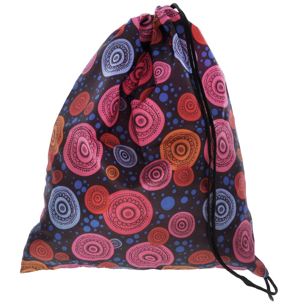 Eva Сумка для сменной обуви цвет голубой розовый оранжевыйЕ25Сумку для сменной обуви Eva удобно использовать как для хранения, так и для переноски сменной обуви. Она выполнена из прочного полиэстера и затягивается сверху текстильными шнурками. Плотный материал обеспечит надежность и долговечность сумки. Шнурки фиксируются в нижней части сумки, благодаря чему ее можно носить за спиной как рюкзак.