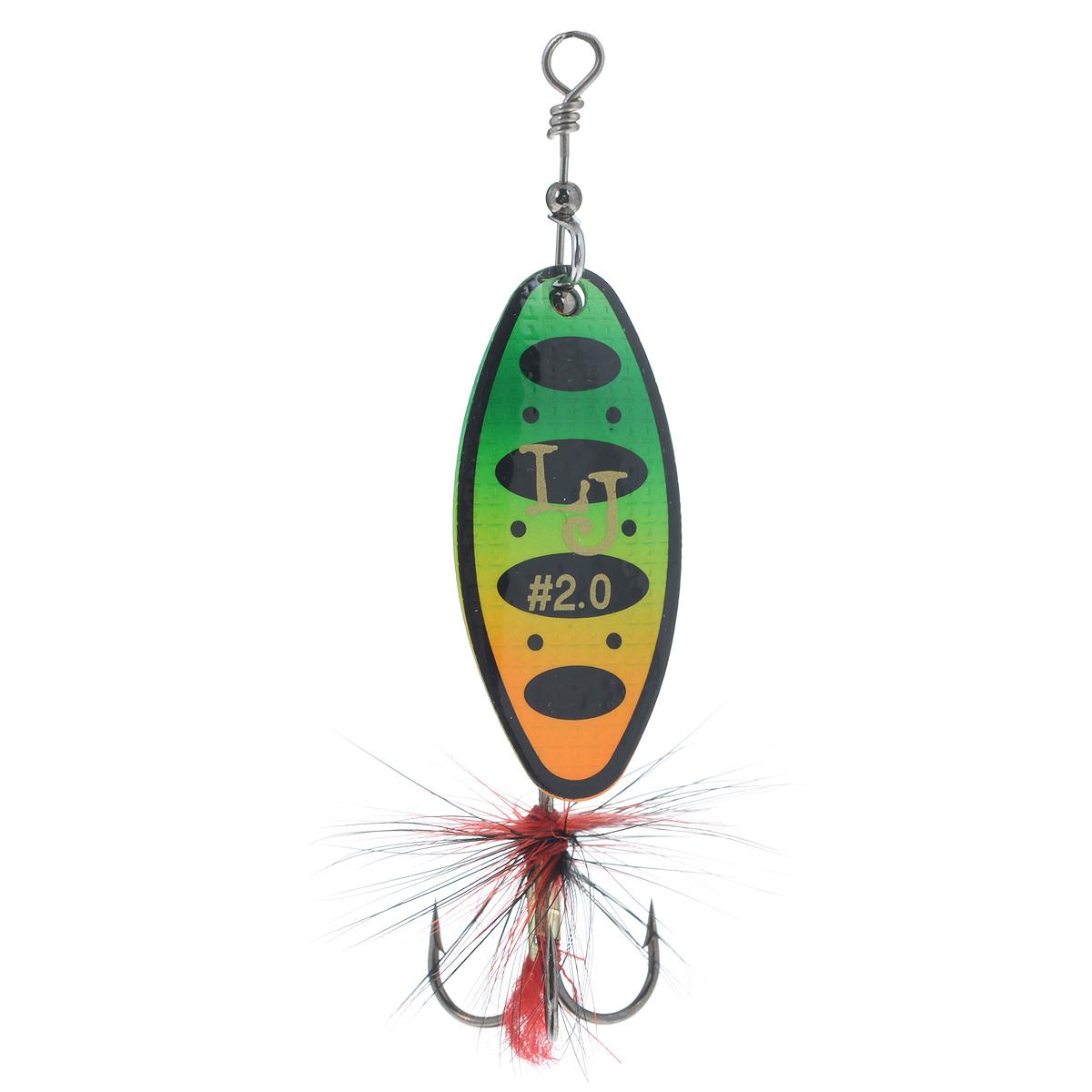 Блесна вращающаяся Lucky John Shelt Blade, цвет: зеленый, желтый, 9 гLJSB02-008Lucky John Shelt Blade - вращающаяся блесна с формой лепестка long. В этой приманке используются современные конструктивные решения, которые обеспечивают надежную и стабильную игру блесен, что делает их очень привлекательными для любой хищной рыбы. Главный элемент блесны - вращающийся лепесток. Он сделан из латуни и обладает хорошими динамическими показателями при вращении в воде, что позволяет делать проводку приманки на минимальной скорости. Лепесток заводится сразу, как только блесна начинает движение. Лепесток окрашен с двух сторон. С какой бы стороны хищная рыба не смотрела на приманку, ее расцветка остается одинаковой и привлекательной, что повышает интерес к блесне и, в итоге, приводит к результативной атаке. Немаловажная деталь - сердечник приманки, от которого зависит вес и дальнобойность приманки, а также ее устойчивость в воде. На тройнике связана яркая мушка, основное предназначение которой - снять последние сомнения у приготовившейся к атаке...