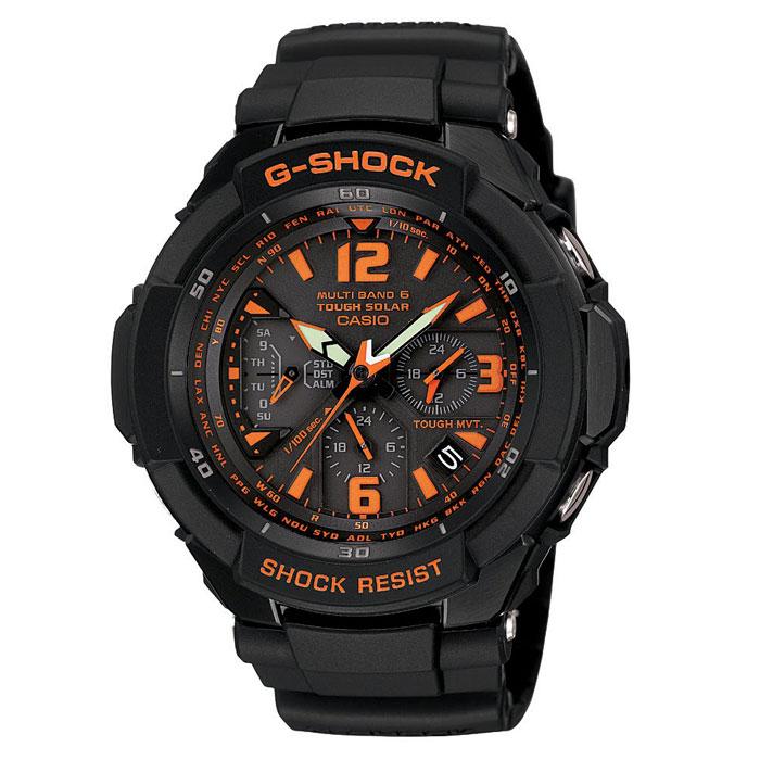 Наручные часы Casio GW-3000B-1AGW-3000B-1AПротивоударные: Благодаря противоударной защите часы могут выдержать достаточно сильный удар или сотрясение без негативных последствий. Питание от солнечной энергии: Автономная экологически чистая солнечная панель обеспечивает часы энергией. Неиспользуемая энергия запасается в аккумуляторной батарейке часов. Прием радиосигнала DCF/MSF/WWVB/JJY/BPC: Как в Европе, Северной Америке и Японии, так и в отдаленных районах Канады, Центральной Америки и Китая часы принимают специальный радиосигнал и всегда и всюду показывают точное время. Все что вам нужно сделать - выставить на часах местное поясное время. Также во многих странах благодаря радиосигналу часы сами переходят на летнее время и обратно. Neobrite: Покрытые специальным составом метки на циферблате и/или на стрелках светятся в темноте, если предварительно часы побывали на свету. Мировое время: С помощью функции мирового времени часы отображают время в 29...