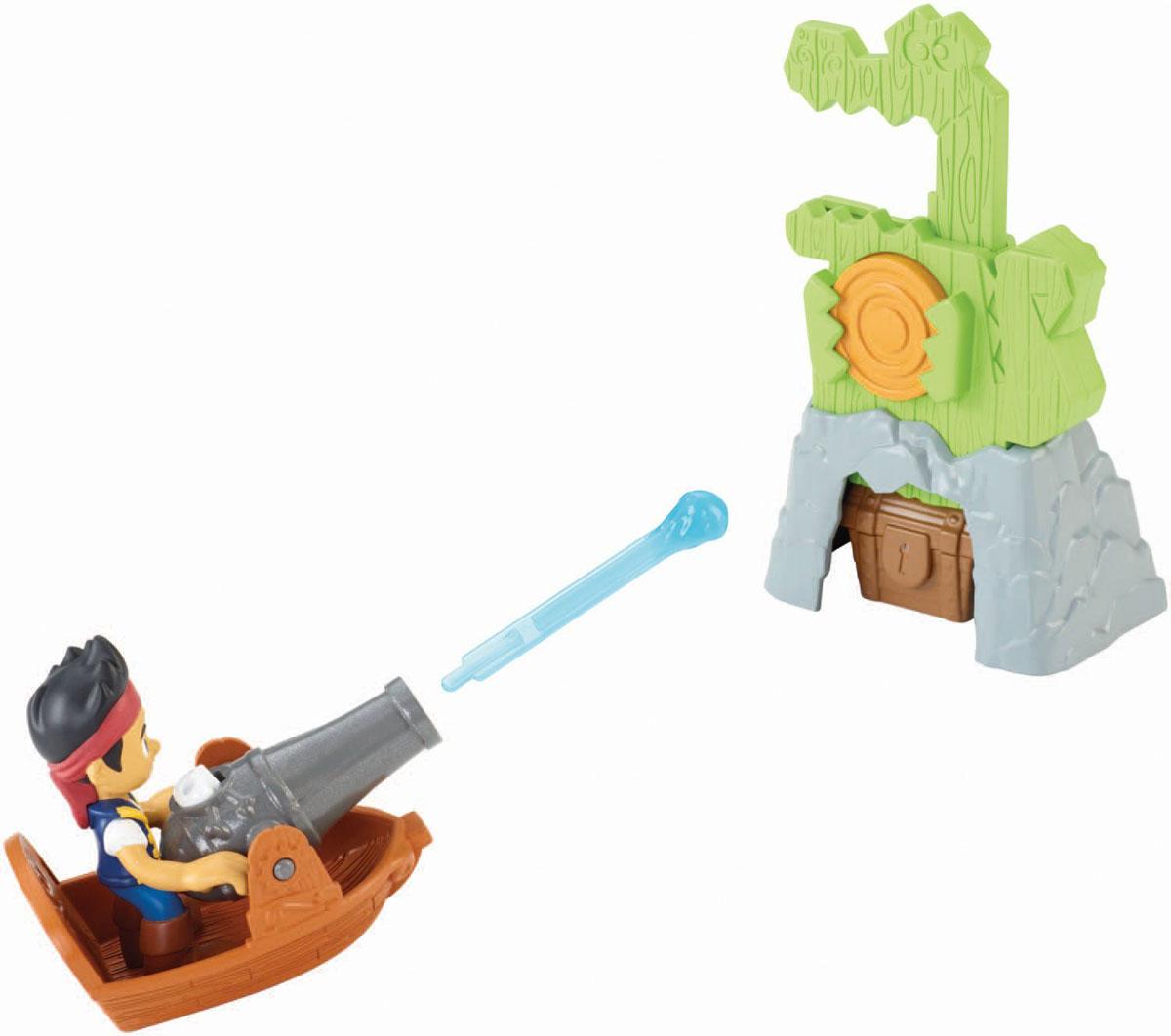 Jake & Neverland Pirates Игровой набор Пещера сокровищCCY75_CCY79Игровой набор Jake & Neverland Pirates Пещера сокровищ не позволит скучать вашему непоседе. Он выполнен из безопасного яркого пластика и включает игрушку в виде арки с мишенью, фигурку Джейка, сундук с сокровищем, лодку с пушкой и две стрелы. Мишень выполнена в виде крокодила с красным диском-кнопкой в руках. Необходимо зарядить пушку стрелой и нажать кнопку запуска. Малыш должен попасть стрелой в кнопку в лапах крокодила. При попадании верхняя часть крокодила поднимается, открывая арку. Ваш ребенок с удовольствием будет играть вместе с любимым героем, придумывая увлекательные истории. Порадуйте его таким замечательным подарком!