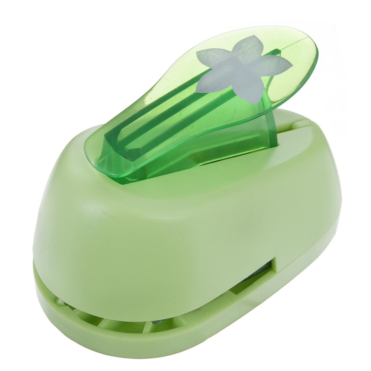 Дырокол фигурный Hobbyboom Цветок, №97, цвет: зеленый, 2,5 смCD-99M-097Фигурный дырокол Hobbyboom Цветок, изготовленный из прочного металла и пластика, поможет вам легко, просто и аккуратно вырезать много одинаковых мелких фигурок. Режущие части дырокола закрыты пластиковым корпусом, что обеспечивает безопасность для детей. Предназначен для бумаги плотностью - 80 - 200 г/м2. Рисунок прорези указан на ручке дырокола. Размер дырокола: 8 см х 5 см х 4,5 см. Диаметр готовой фигурки: 2,5 см.