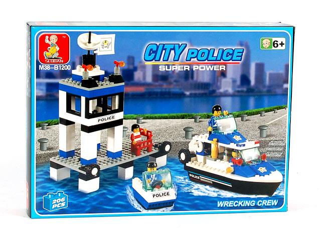 Конструктор Полицейский патруль, 206 деталиB163-H26036«Полицейский патруль» — это не просто интересная игра,но и с помощью этого конструктора ребенок развивает пространственное мышление, воображение, фантазию и зрительно-моторную координацию. Конструктор включает в себя 206 деталей различных форм, из которых можно собрать полицейскую станцию, лодку и водный мотоцикл.