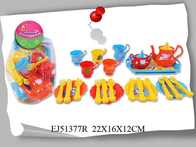 Набор посуды Игрушки для подружки6450Набор посуды Игрушки для подружки S+S Toys EJ51377R обязательно понравится и будет полезен маленькой хозяйке. С его помощью малышка сможет накрыть стол и угостить своих гостей. Предметы изготовлен из качественного, безопасного для ребенка пластика.