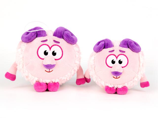 Смешарики Мягкая игрушка Бараш 12 смK25206G2Вдохновенный поэт Бараш из мультсериала «Смешарики», теперь предстал в своём физическом воплощении, в виде весёлой и забавной игрушки, высотой в 10 сантиметров. Игрушка озвучена в полном соответствии мультяшному прототипу. Подарите своему ребёнку или друзьям позитивные эмоции, вместе с весёлой и яркой игрушкой, выполненной в виде мультипликационного героя, которого знают и любят все дети и взрослые. Такие игрушки также могут служить отличным украшением в вашем доме или автомобиле.