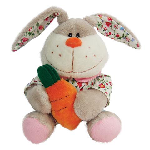 Заяц с морковкой, в одежде, 16 смGT7456Заяц с морковкой - это забавная игрушка, которая создана для детей старше 3 лет. Она изготовлена из качественных материалов, которые абсолютно безвредны для ребенка. Плюшевый зайчик обязательно понравится вашему малышу. Игрушка способствует развитию воображения и тактильной чувствительности у детей.