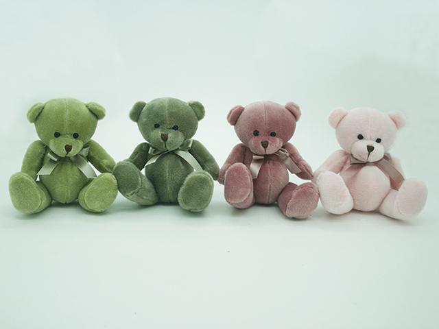 Медведь с бантом, 20 см043376,8Забавные плюшевые мишки не оставят равнодушным вашего малыша. Они имеют очень милый вид, который тут же привлечет внимание ребенка. На шее у мишки повязан очаровательный бантик, который подчеркивает его стиль. Игрушка изготовлена из высококачественного текстиля.