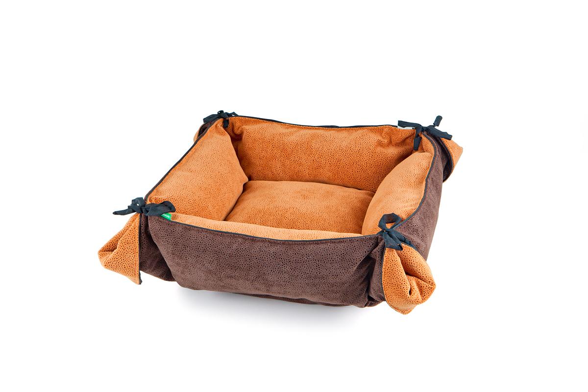 Лежак-трансформер для собак Titbit, цвет: коричневый, 80 см х 80 см3534Лежак-трансформер Пушок станет комфортным и любимым местом вашего питомца. Лежак выполнен из мягкого, приятного на ощупь материала (флока). Оригинальная конструкция трансформера превращает лежак в просторное спальное место. Стильная расцветка впишется в любой интерьер. Высококачественная мебельная ткань приятной фактуры обладает высокой износоустойчивостью.