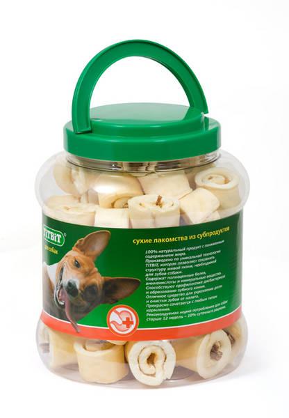 Лакомство для собак Titbit, роллы из кожи с начинкой, 4,3 л8574Высушенная говяжья кожа с начинкой из кишок говяжьих. Благодаря большому содержанию аминокислот и коллагена положительно воздействует на хрящевую ткань, состояние кожи и шерсти собаки. Кишки возбуждают аппетит и придают лакомству особый вкус, который так нравится собаке. Благодаря волокнистой структуре являются своеобразной зубной щёткой, способствующей укреплению дёсен, удалению зубного налёта и профилактике образования зубного камня. Состав: Высушенные говяжья кожа, кишки говяжьи.
