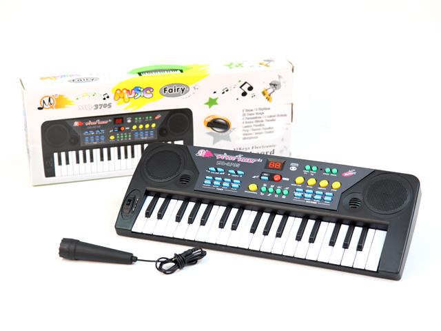 Пианино с микрофономYYT9125698Пианино с микрофоном - это практически настоящий музыкальный инструмент с множеством функций и возможностей. С помощью 37 клавиш ребенок сможет не только проигрывать ноты, но и создавать собственные мелодии, записывать их и прослушивать уже готовый материал. Благодаря микрофону у малыша также будет возможность петь в караоке. В синтезаторе предусмотрены различные звуковые эффекты, так есть 8 тонов, 8 ритмов, демо-мелодии, регулировка темпа и громкости. Игрушка поможет развить у ребенка слуховое восприятие, моторику рук, память, музыкальные способности. Синтезатор работает от 4-х батареек типа AA (в комплект не входят)