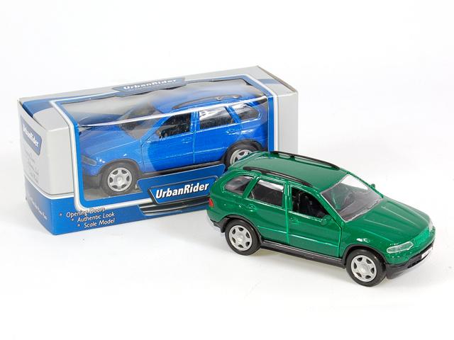Машина инерционная Джип с открывающимися дверьмиG089-H36013 61Мальчишки любят машины. Представленный вариант игрушечного джипа хорош не только современным дизайном, но и мелкой проработкой деталей. Изделие выполнено на металлической основе.
