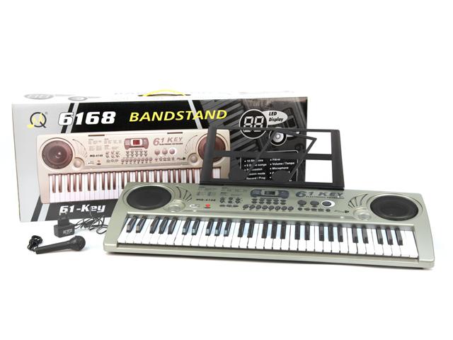 Пианино с микрофономMQ-6168Музыкальные таланты нужно развивать с самых первых лет. Поэтому и первые музыкальные инструменты у крохотных гениев могут появляться очень рано. Такое пианино, работающее от сети, обрадует любого малыша! В комплект входит микрофон. Размер коробки: 83,5*34*12,5 см, размер пианино: 80*30*9,5 см, вес: 3337 г.