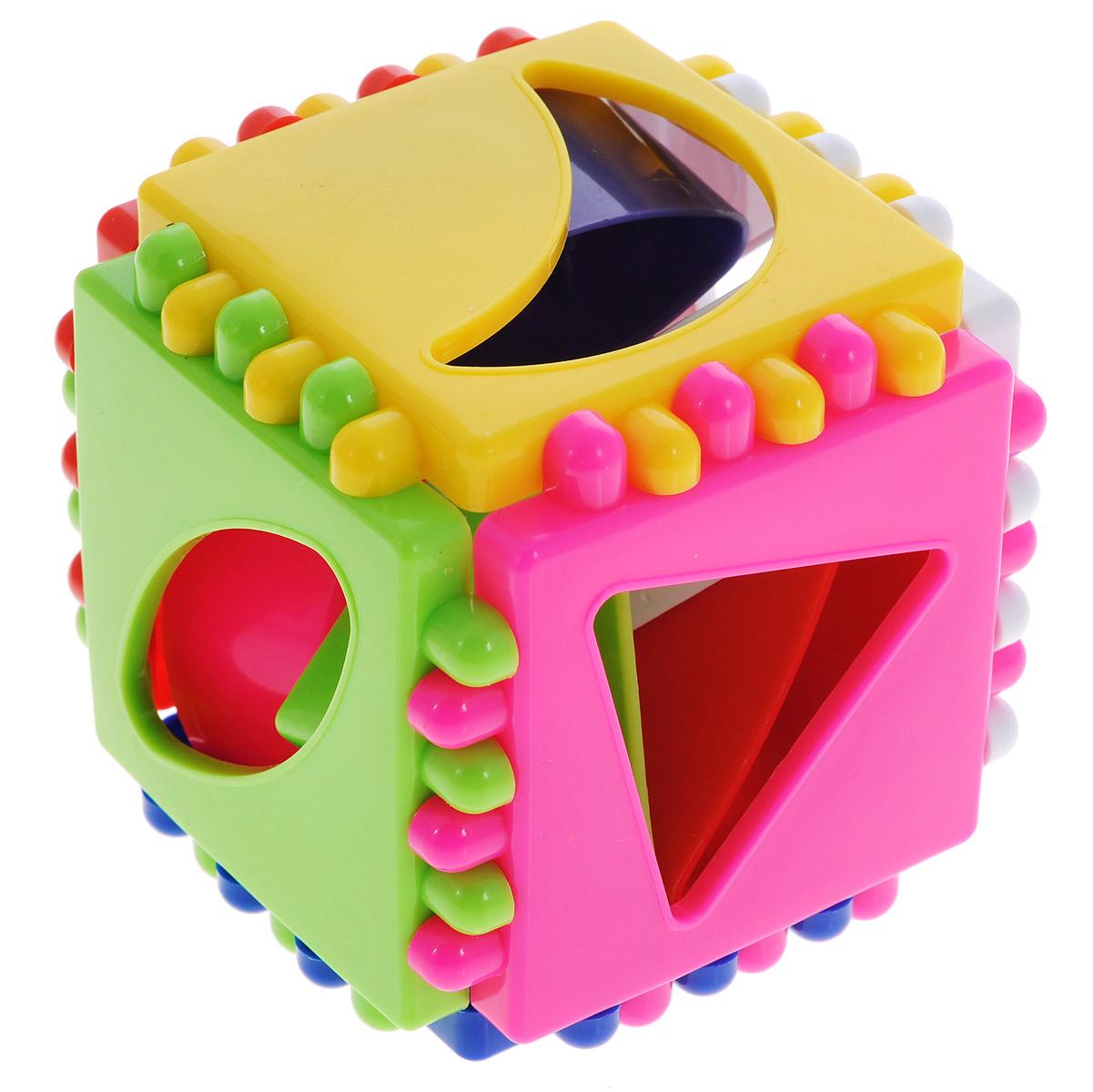 Развивающая игра-сортер Stellar Логический кубик. 0131401314Развивающая игра-сортер Stellar Логический кубик обязательно понравится вашему малышу и доставит ему много удовольствия от часов, посвященных игре с ней. Игрушка выполнена из высококачественного, безопасного пластика. Набор включает в себя кубик и 6 фигурок. Разноцветные грани кубика содержат отверстия разной формы. Каждой грани по цвету и форме отверстия соответствует определенная фигурка. Задача малыша - правильно подобрать соответствующие элементы. Логические игры вырабатывают умение узнавать и различать форму или изображение предмета, его цвет, развивают творческое и пространственное воображение, абстрактное мышление, а также учат классифицировать, обобщать и сравнивать. Порадуйте малыша такой яркой игрушкой!
