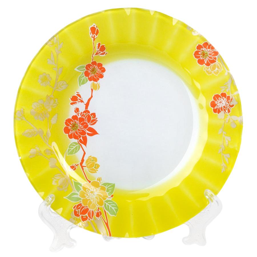 Тарелка House & Holder Цветы, диаметр 23 см. S3009EG014S3009EG014Круглая тарелка House & Holder Цветы, изготовленная из стекла, декорирована ярким изображением. Такая тарелка украсит сервировку вашего стола и подчеркнет прекрасный вкус хозяина, а также станет отличным подарком. Диаметр: 23 см. Высота: 1,9 см.
