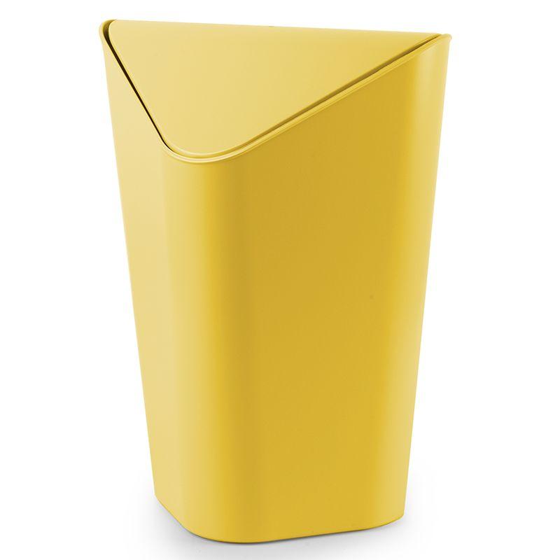 Контейнер для мусора Umbra Corner, цвет: желтый, 10 л086900-438Отсутствие пространства - проблема вашего дома? Ничего, ведь есть компактная и удобная корзина для мусора, которая сэкономит место даже в самых маленьких помещениях. Ванная комната, туалет, кабинет или кухня - уголок найдется везде. Удобная качающаяся крышка обеспечивает простоту использования и очистки корзины. Пожалуй, вы сами удивитесь, как обходились без такой удобной вещи! Объем: 10 литров.