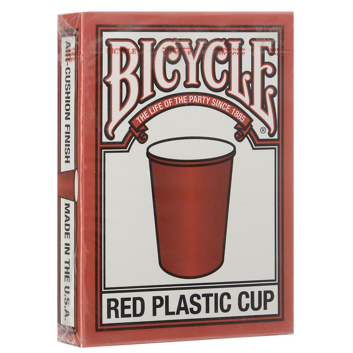 Игральные карты Bicycle Красные пластиковые стаканчики, цвет: красныйК-345Вы когда-нибудь задумывались, сколько пластиковых стаканчиков мы постоянно используем в своей жизни? Именно им фабрика USPCC решила посвятить очередную колоду. Вместо туза пик за основу взят красный пластиковый стаканчик, также эта тема просматривается на их рубашке.