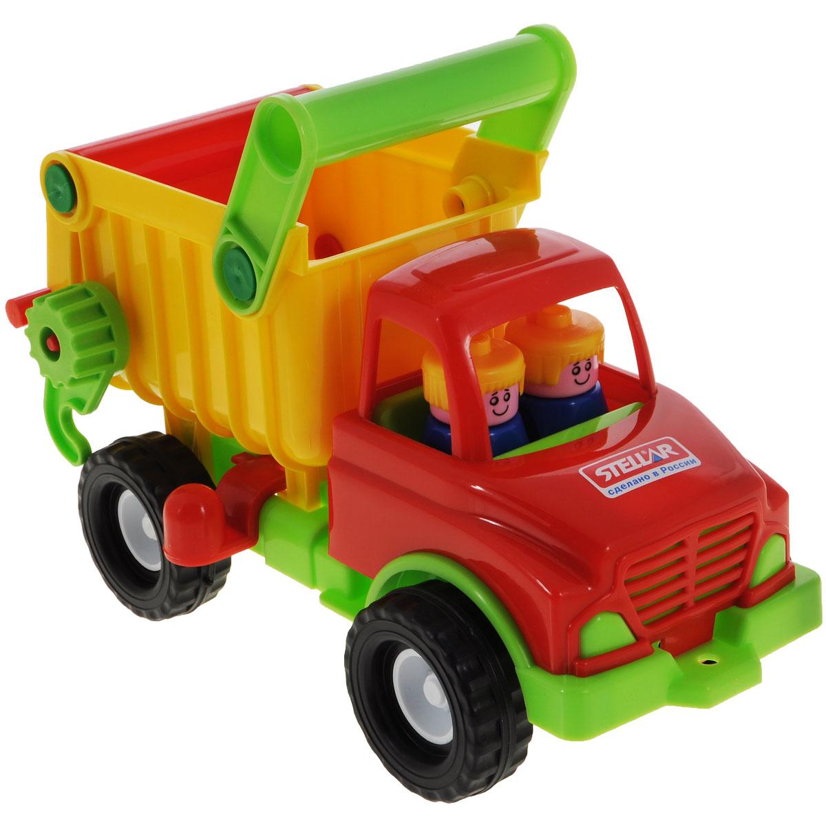 Stellar Грузовик цвет красный салатовый01401Грузовик Stellar отлично подойдет ребенку для различных игр. Вместительный кузов машины поднимается и опускается. Большие колеса обеспечивают машине устойчивость и хорошую проходимость. В кабине без стекол сидят две фигурки. А еще машину можно возить за веревочку - для этого предусмотрено отверстие на бампере грузовика. Грузовик выполнен из прочного пластика, который позволяет выдерживать большие нагрузки. Ваш юный строитель сможет прекрасно провести время дома или на улице, подвозя к месту игрушечной стройки необходимые предметы на этом красочном грузовике.