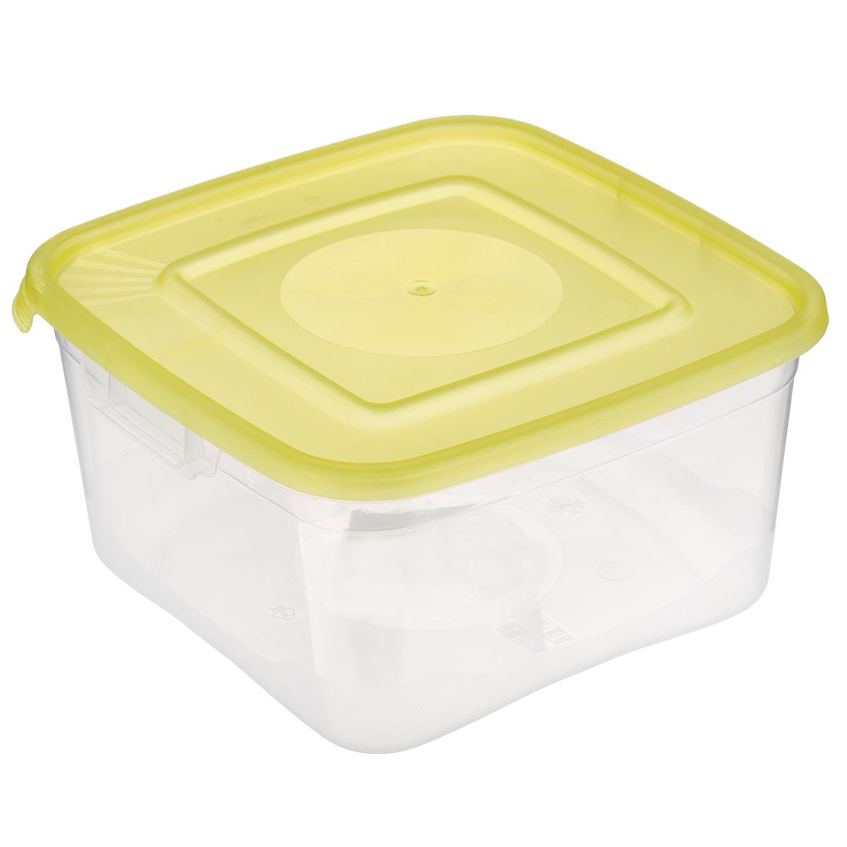 Контейнер Полимербыт Каскад, цвет: прозрачный, желтый, 1 лС670 желтыйКонтейнер Полимербыт Каскад квадратной формы, изготовленный из прочного пластика, предназначен специально для хранения пищевых продуктов. Крышка легко открывается и плотно закрывается. Контейнер устойчив к воздействию масел и жиров, легко моется. Прозрачные стенки позволяют видеть содержимое. Контейнер имеет возможность хранения продуктов глубокой заморозки, обладает высокой прочностью. Можно мыть в посудомоечной машине. Подходит для использования в микроволновых печах.