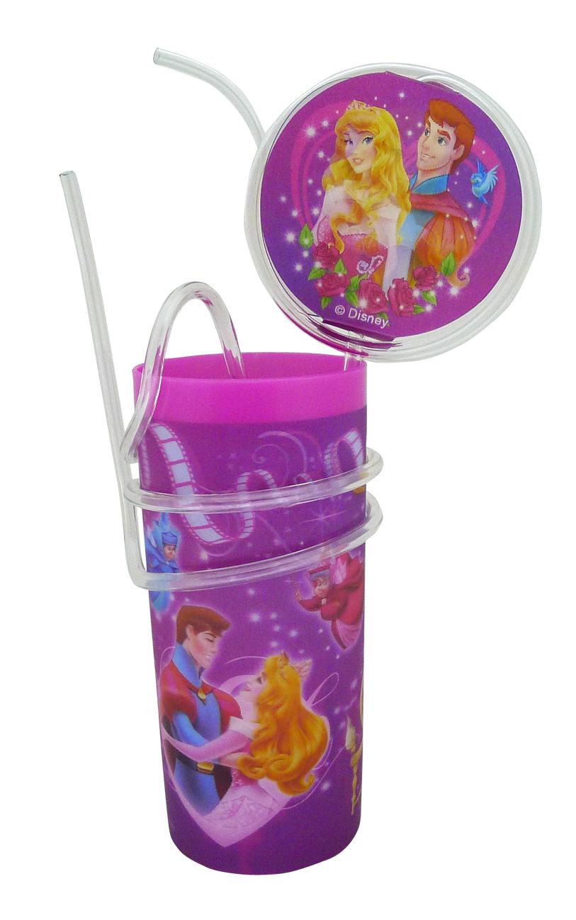 Стакан пластиковый Disney Принцессы. Аврора, с витой соломинкой и трубочкой, цвет: розовый, 330 млRSL680P3Яркий пластиковый стакан Disney Принцессы. Аврора, выполненный из безопасного пищевого пластика, оформлен изображениями героев мультфильма Спящая красавица. Рисунок находится под слоем прозрачного структурного пластика (линзы), создающего эффект объемного изображения, как в 3D кино, и исключает попадание краски в жидкость. В комплект входят соломинка и трубочка, выполненные из полупрозрачного пластика. Соломинка необычно изогнута, при питье можно наблюдать, как жидкость бежит по ней и оформлена вставкой с меняющимися изображениями. Трубочка обвита вокруг стакана. Стакан без трубочки можно использовать как подставку под карандаши или зубные щетки. Порадуйте вашего ребенка таким замечательным подарком. Объем стакана: 330 мл. Диаметр стакана (по верхнему краю): 6 см. Высота стакана: 13,5 см.