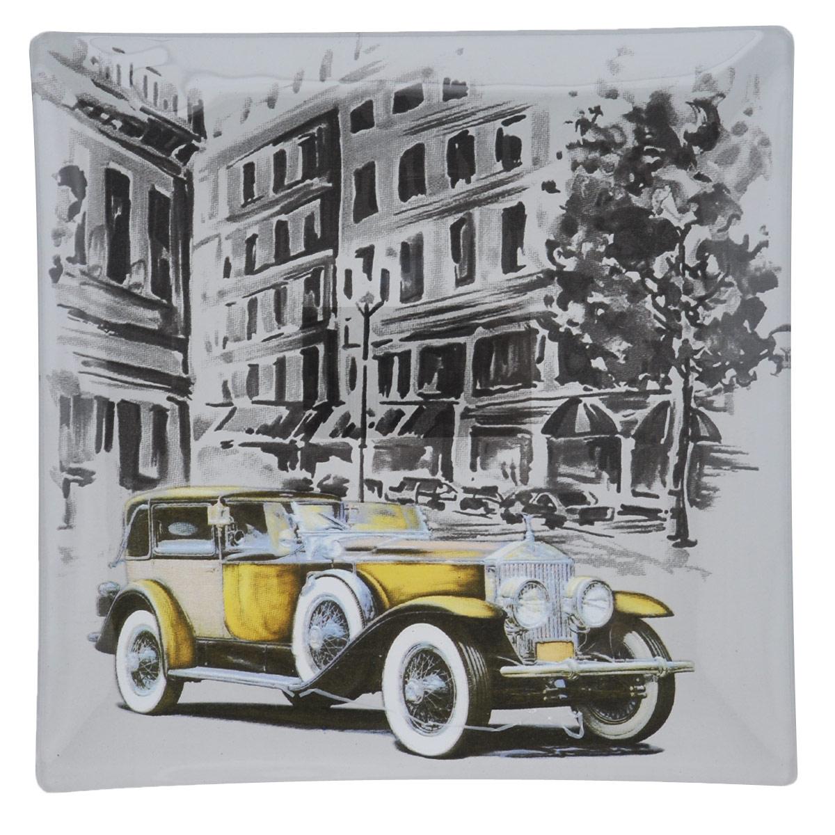 Тарелка House & Holder Машина, 20 х 20 х 1,9 см S3108F031S3108F031Квадратная тарелка House & Holder Машина, изготовленная из стекла, декорирована ярким изображением. Такая тарелка украсит сервировку вашего стола и подчеркнет прекрасный вкус хозяина, а также станет отличным подарком. Размер: 20 см х 20 см. Высота: 1,9 см.