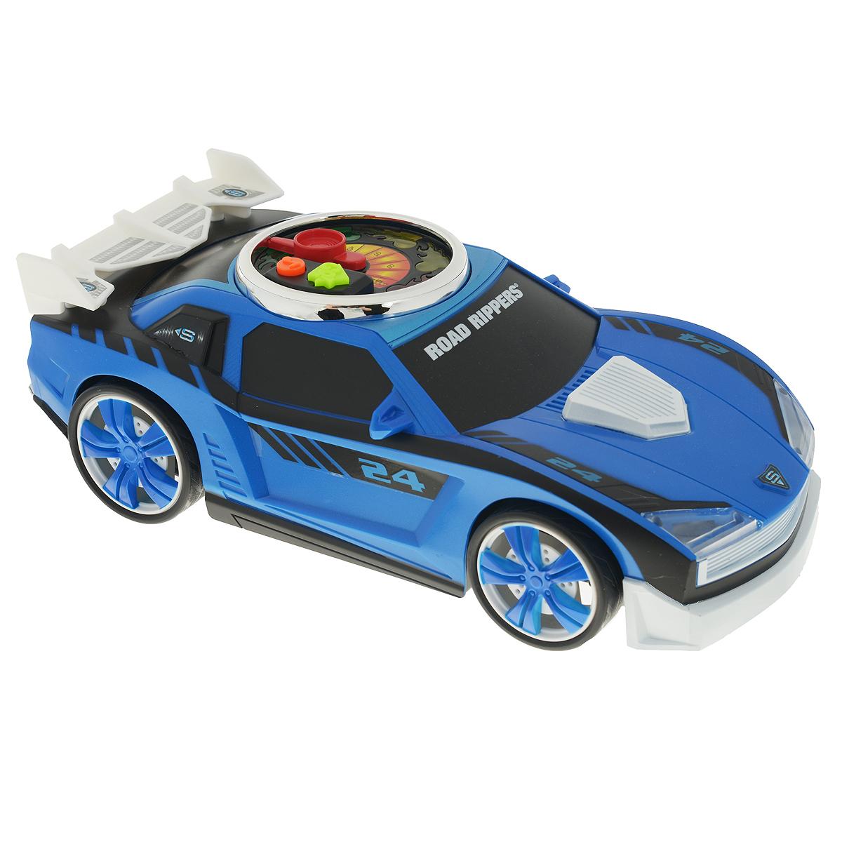 Road Rippers Машинка Turbo Revver цвет синий33490TS_синийЯркая машинка Road Rippers Turbo Revver со звуковыми и световыми эффектами, несомненно, понравится вашему ребенку и не позволит ему скучать. Игрушка выполнена в виде стильной гоночной машины. При нажатии на кнопки, расположенные на крыше, воспроизводятся звуки работающего двигателя, играет музыка, а фары машинки начинают светиться. Малыш сможет почувствовать себя настоящим гонщиком, разгоняя машинку - для этого нужно несколько раз повернуть стрелку на спидометре на крыше автомобиля. С каждым поворотом на экране спидометра будет загораться огонек и раздадутся звуки двигателя. Нажмите на кнопку GO, и колесики машинки начнут вращаться с характерными звуками, а диск на ее крыше будет мерцать разноцветными огоньками. Ваш ребенок часами будет играть с машинкой, придумывая различные истории и устраивая соревнования. Порадуйте его таким замечательным подарком! Рекомендуется докупить 3 батарейки напряжением 1,5V типа AА (товар комплектуется демонстрационными).