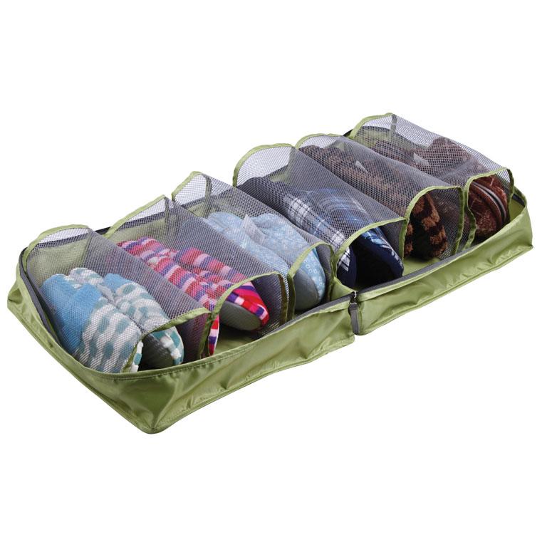 Сумка для обуви Miolla, цвет: зеленый, 36 х 36 х 17 смSO00076Сумка для обуви Miolla изготовлена из 100% полиэстера. Экономичная замена пластиковым пакетам и громоздким коробкам. Сумка закрывается на молнию, по бокам - две ручки для удобной переноски. Внутри сумки - 6 сетчатых сквозных кармана для размещения в них туфель, ботинок, кроссовок, балеток. Очень компактная и очень удобная, такая сумка поможет вам хранить обувь в чистоте и порядке. Размер сумки: 36 см х 36 см х 17 см. Размер кармана: 12 см х 10 см х 26 см.