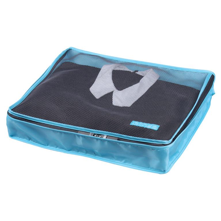 Органайзер для одежды Miolla, цвет: синий, 45 х 35 х 8,5 смSO00386Органайзер для одежды Miolla изготовлен из полиэстера с водоотталкивающей поверхностью. Изделие сверху имеет сетку, благодаря чему происходит естественная циркуляция воздуха. Предназначен для хранения легкой одежды - маек, футболок, рубашек и кофточек. Органайзер закрывается на молнию по всему периметру. Незаменимый аксессуар для путешествий, переездов и домашнего хранения.