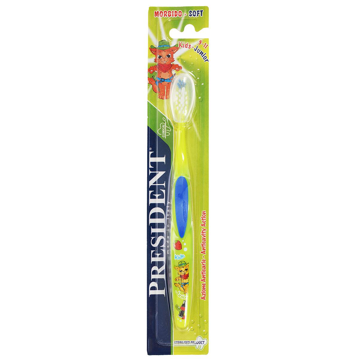 Детская зубная щетка President Kids-Junior, мягкая, цвет: синий, зеленый, 5-11 лет72624_зеленый,синийДетская зубная щетка President Kids-Junior идеально подходит для чистки зубов при сменном прикусе. Мягкие щетинки с закругленными кончиками эффективно и деликатно очищают зубы и межзубные промежутки, что особенно важно для предотвращения кариеса в период смены молочных зубов на постоянные. Ручка из мягкой резины позволяет надежно держать щетку во время использования. Товар сертифицирован.