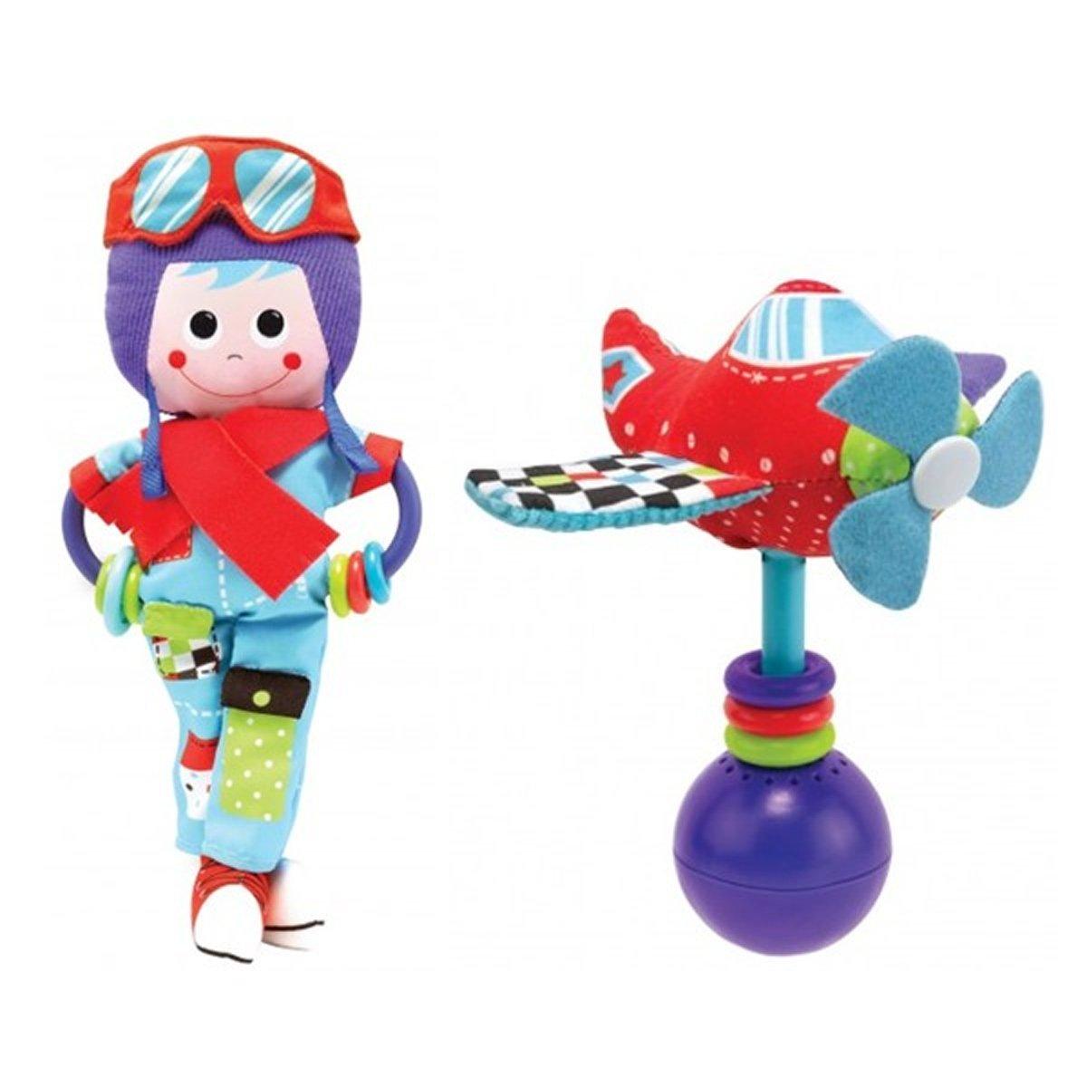 Игрушка-погремушка Yookidoo Пилот40130Игрушка-погремушка Yookidoo Пилот выполнена в ярком и красочном дизайне, который обязательно понравится малышу. Ребенок будет с удовольствием рассматривать свою первую и очень забавную игрушку. Игрушка изготовлена из материалов различной текстуры для тренировки моторики пальчиков и развития тактильных ощущений. К Пилоту крепится прорезыватель с разноцветными колечками, который непременно понадобится для чещушихся зубиков крохи. В комплект также входит музыкальная погремушка Вертолет, при встряхивании которой звучат смешные звуки. Крылья вертолета и очки пилота шуршат при прикосновении. При необходимости, игрушки можно подвесить в коляску или кроватку, используя пластиковые кольца, входящие в комплект. С такой игрушкой малыш разовьет моторику рук, тактильные ощущения, слуховое восприятие. Рекомендуется докупить 3 батарейки напряжением 1,5V типа LR44 (товар комплектуется демонстрационными).
