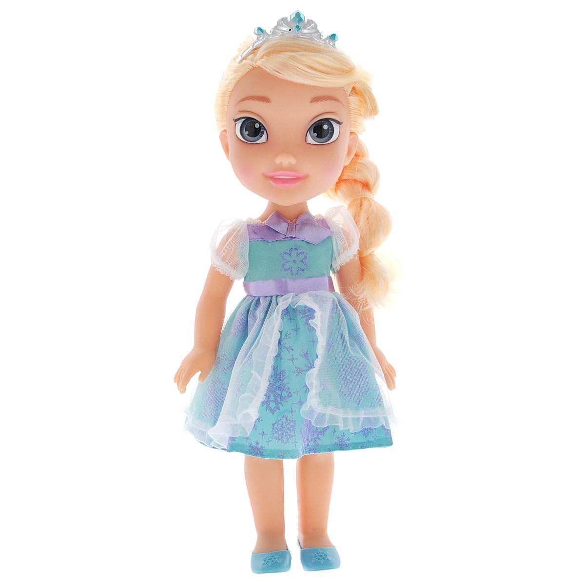 Disney Princess Кукла Холодное сердце Эльза - стилист757220Игровой набор Disney Frozen Easy Styles Elsa Игровой набор Disney Frozen Стилист. Эльза обязательно понравится вашей дочурке. Туловище куклы Эльзы выполнено из высококачественного пластика; голова, ручки и ножки подвижны. Принцесса одета в красивое платье, точь-в-точь как на героине из мультфильма. На ножках - туфельки. Кукла имеет длинные шелковистые волосы, которые можно заплетать в различные прически. На голове - королевская тиара. Главная особенность куклы - большие глаза, которые блестят как настоящие. Глазки изготовлены по запатентованной технологии Royal Reflection. Этот удивительный набор включает в себя все самые необходимые аксессуары: фен, ножницы, расческу, утюжок для выпрямления, ленточки и заколочки для волос. С помощью волшебного фена, который звучит совсем как настоящий, ваша малышка сможет создать множество причесок. С таким большим набором аксессуаров фантазия юного парикмахера будет безграничной! Порадуйте свою дочурку таким замечательным...