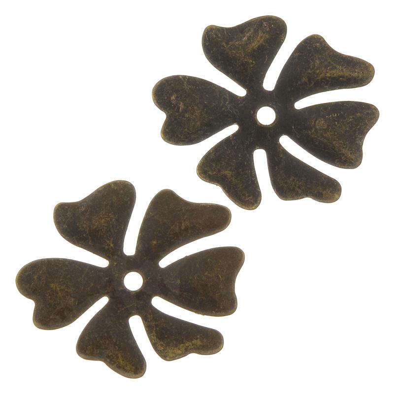 Заготовка-бланк Vintaj Гавайский цветочек, 29 мм х 26 мм, 2 штP0053RRНабор Vintaj Гавайский цветочек изготовлен из металла и используется для создания различных заготовок, как элементов авторских украшений, с последующим нанесением рисунка ударными штампами. Это интереснейшее направление для тех, кто любит от начала до конца делать украшения по своему авторскому эскизу, где полет творческой фантазии можно легко воплотить в жизнь. Заготовки выполнены в виде небольшого цветка. Размер элемента: 29 мм х 26 мм.
