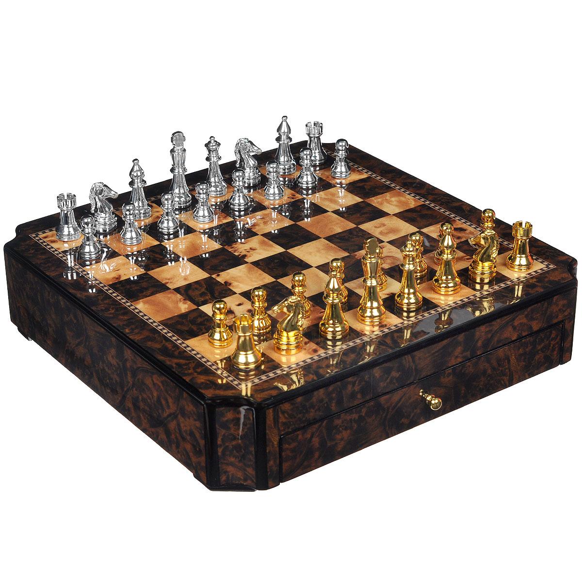 Игра настольная Русские Подарки Шахматы, размер: 42*42 см. 4453444534Игра Русские Подарки Шахматы - коллекционная настольная игра, которая станет достойным подарком для начальника, партнера или друга. Фигуры из комплекта раскрашены вручную и отлиты из олова, а доска изготовлена из натурального дерева и оснащена выдвижными ящичками. Шахматы - это хорошее средство для развития логического мышления, концентрации, внимания.