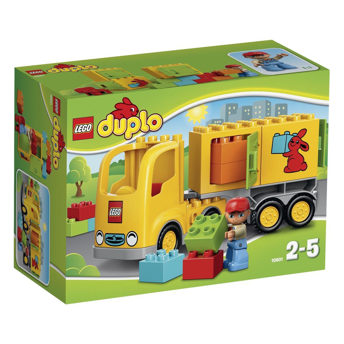 LEGO DUPLO Конструктор Желтый грузовик 1060110601Большой грузовик из набора LEGO DUPLO прекрасно пойдет для работы в службе доставки. Его корпус выполнен из ярко-желтых деталей, хорошо заметных издалека. Спереди располагается кабина водителя, оборудованная радиаторной решеткой, круглыми фарами и классической эмблемой LEGO. За кабиной виден багажный отсек, служащий местом прикрепления большой транспортировочной платформы. На ней перевозят различные виды грузов, начиная с небольших разноцветных коробок и заканчивая частями строящегося дома. Также на платформу можно установить специальные контейнеры с логотипом компании. Благодаря открывающимся боковым и задним дверцам, в контейнеры можно сложить наиболее ценные и хрупкие грузы, требующие аккуратной перевозки. Игра с конструктором развивает мелкую моторику ребенка, фантазию и воображение, учит его усидчивости и внимательности. Рекомендуемый возраст: от 2 до 5 лет.