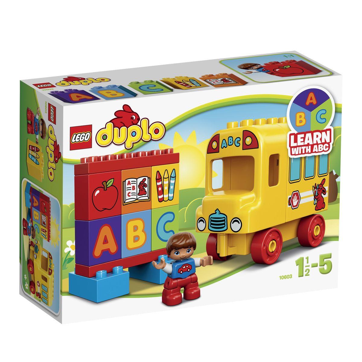 LEGO DUPLO Конструктор Мой первый автобус 1060310603Школьный автобус из набора LEGO DUPLO обязательно понравится всем юным конструкторам! Его ярко-желтый корпус очень прост в сборке, а закругленные детали крыши и стен идеально подходят для маленьких детских ладошек. В передней части автобуса видна просторная кабина водителя с наклейками в виде решетки радиатора и круглых фар. За кабиной располагается салон с большими голубыми окнами и открывающейся задней дверкой. При желании внутрь салона можно сложить кубики с изображениями букв или школьных предметов. В наборе присутствует фигурка ученика и 6 обучающих кубиков с изображением букв, карандашей, тетради и яблока. С их помощью можно изучать цвета, а также разыгрывать познавательные и веселые сценки. Игра с конструктором LEGO развивает мелкую моторику ребенка, фантазию и воображение, учит его усидчивости и внимательности. Рекомендуемый возраст: от 1,5 до 5 лет.