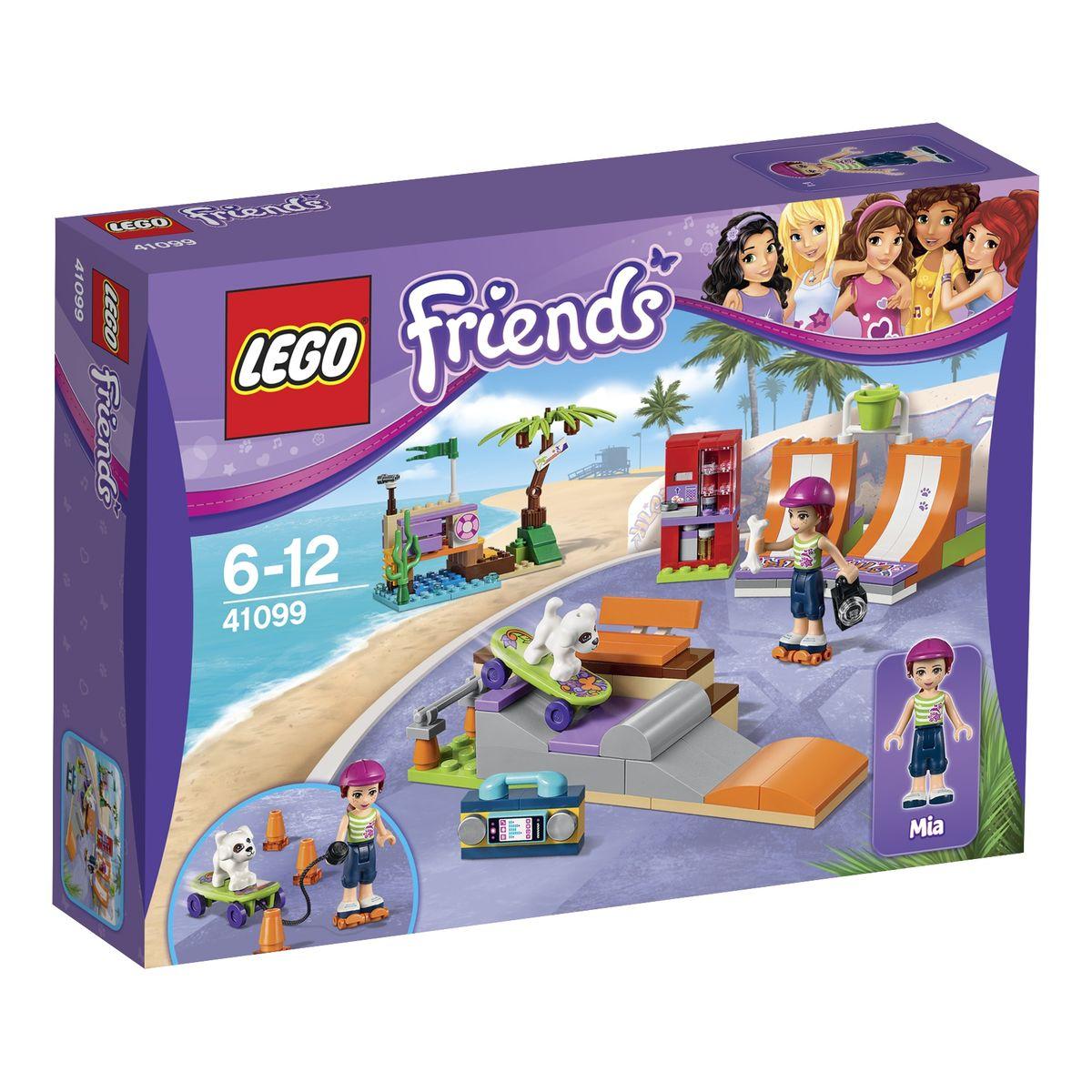 LEGO Friends Конструктор Скейт-парк 4109941099На берегу моря, рядом со спасательной станцией располагается скейт-парт, являющийся излюбленным местом отдыха всех жителей Хартлейк Сити. Здесь можно весело провести время, как в компании друзей, так и в паре с любимым питомцем. Девочка Мия из набора LEGO 41099 пришла в парк вместе со своим белым щенком. Он очень послушный и сообразительный, а самое главное, он так же, как и хозяйка уверенно держится на скейте. Для всех посетителей парка открыты несколько трасс для катания разного уровня сложности. Первый - это две симметричные оранжевые горки, которые можно использовать отдельно друг от друга или объединить в одну классическую рампу. Вторая трасса представляет собой полосу препятствий с выступами и спусками, которые можно преодолевать как на скейтборде, так и на роликах. Также для удобства спортсменов на территории парка установлена деревянная скамейка для отдыха и ярко-красный автомат по продаже прохладительных напитков. В наборе вы найдете фигурку Мии и ее щенка, а также...