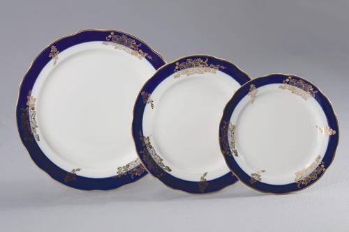 Набор тарелок 24 шт Вырезной край ЯгодыС912Набор тарелок 24 шт Вырезной край Ягоды фарфор