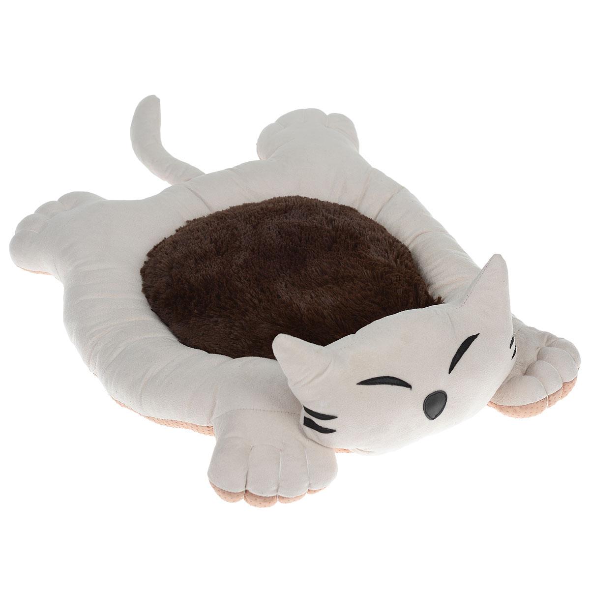Лежак для собак и кошек I.P.T.S. Sylvester, цвет: бежевый, коричневый, 56 см х 44 см х 14,5 см19208_бежевый/коричневыйМягкий и уютный лежак для кошек и собак I.P.T.S. Sylvester обязательно понравится вашему питомцу. Лежак выполнен в виде кота. Он изготовлен из нежного, приятного материала. Внутри - мягкий наполнитель, который не теряет своей формы долгое время. Мягкий, приятный и теплый лежак обеспечит вашему любимцу уют и комфорт. Подходит как для кошек, так и для маленьких, карликовых пород собак. За изделием легко ухаживать, можно стирать вручную или в стиральной машине при температуре 30°С. Материал бортиков: искусственная замша. Материал матрасика: плюш. Наполнитель: полифибер. Товар сертифицирован.