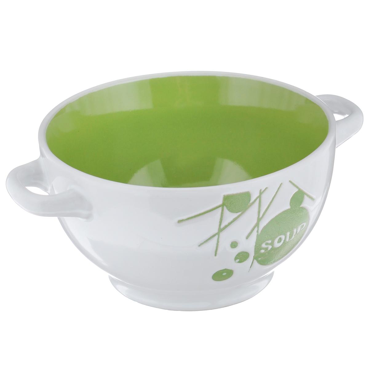 Салатник Wing Star, цвет: белый, зеленый, 500 млLJ10-D112B зеленыйСалатник с ручками Wing Star покорит вас своей красотой и качеством исполнения. Изделие выполнено из высококачественной керамики - обожженной, глазурованной снаружи и изнутри глины. При изготовлении использовался рельефный способ нанесения декора, когда рельефная поверхность подготавливается в процессе формовки, и изделие обрабатывается с уже готовым декором. Благодаря этому достигается эффект неровного на ощупь рисунка, как бы утопленного внутрь глазури и являющегося его естественным элементом. Такой салатник прекрасно подходит для холодных и горячих блюд: каш, хлопьев, супов, салатов и т.д. Он дополнит коллекцию вашей кухонной посуды и будет служить долгие годы. Можно использовать в посудомоечной машине и СВЧ. Объем салатника: 500 мл. Диаметр салатника (по верхнему краю): 14 см. Ширина салатника (с учетом ручек): 18 см. Высота стенки салатника: 8 см.