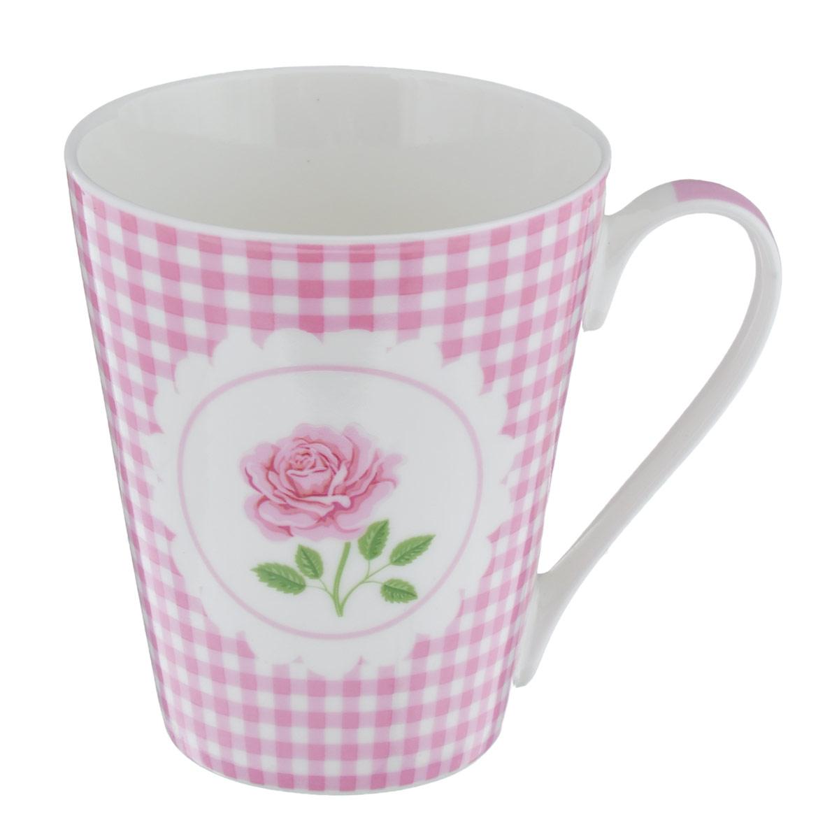 Кружка Кантри, цвет: розовый, белый, 250 млLQB02-N146Кружка Кантри изготовлена из высококачественного фарфора, покрытого слоем сверкающей глазури. Внешние стенки изделия оформлены принтом в клетку и изящным изображением розы. Такая кружка прекрасно подойдет для горячих и холодных напитков. Она дополнит коллекцию вашей кухонной посуды и будет служить долгие годы. Можно использовать в посудомоечной машине и СВЧ. Объем кружки: 250 мл. Диаметр кружки (по верхнему краю): 8,5 см. Высота стенки кружки: 10 см.
