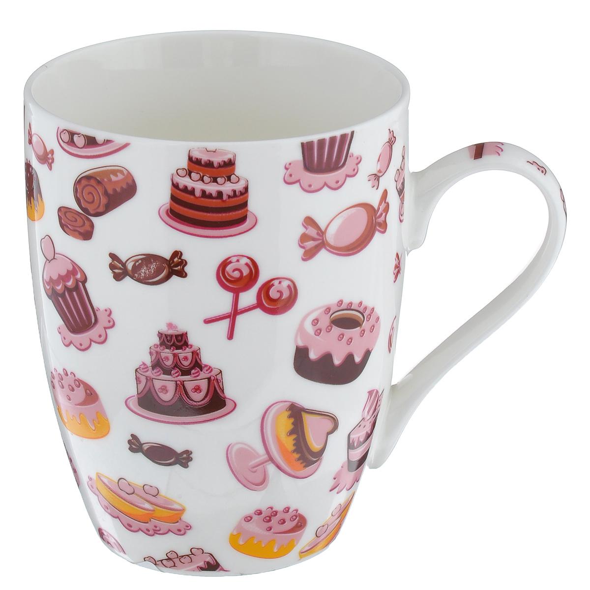 Кружка Десерт. Торты и конфеты, 335 млLQB09-T02Кружка Десерт. Торты и конфеты изготовлена из высококачественного фарфора. Внешние стенки изделия оформлены красочным принтом с изображением тортов и конфет. Такая кружка прекрасно подойдет для горячих и холодных напитков. Она дополнит коллекцию вашей кухонной посуды и будет служить долгие годы. Можно использовать в посудомоечной машине и СВЧ. Объем кружки: 335 мл. Диаметр кружки (по верхнему краю): 8 см. Высота стенки кружки: 10,5 см.
