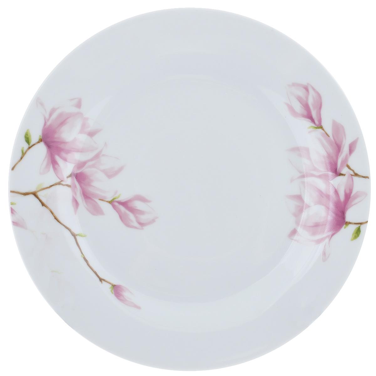 Тарелка для горячего Ваниль, диаметр 23 смDNDSS-B009-1Тарелка Ваниль изготовлена из высококачественного фаянса, покрытого слоем сверкающей глазури. Предназначена для подачи вторых блюд. Изделие декорировано изящным изображением розовых цветов. Такая тарелка украсит сервировку стола и подчеркнет прекрасный вкус хозяйки. Можно мыть в посудомоечной машине и использовать в СВЧ. Диаметр тарелки: 23 см.