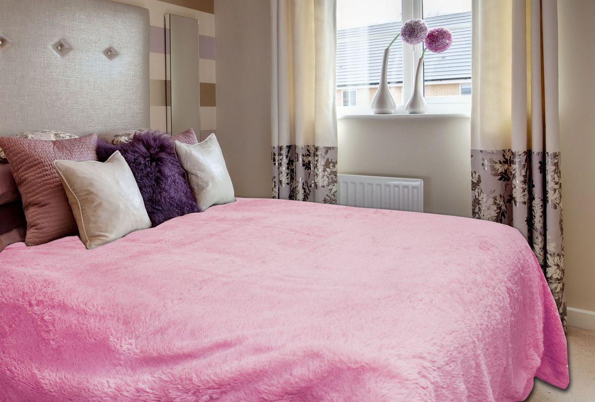 Плед Buenas Noches, цвет: розовый, 220 см х 240 см54571Плед Buenas Noches - это идеальное решение для вашего интерьера! Он порадует вас легкостью, нежностью и оригинальным дизайном! Плед с длинным ворсом выполнен из 100% полиэстера. Полиэстер считается одной из самых популярных тканей. Это материал синтетического происхождения из полиэфирных волокон. Внешне такая ткань схожа с шерстью, а по свойствам близка к хлопку. Изделия из полиэстера не мнутся и легко стираются. После стирки очень быстро высыхают. Плед - это такой подарок, который будет всегда актуален, особенно для ваших родных и близких, ведь вы дарите им частичку своего тепла! Продукция торговой марки Buenas Noches сделана с особой заботой, специально для вас и уюта в вашем доме!
