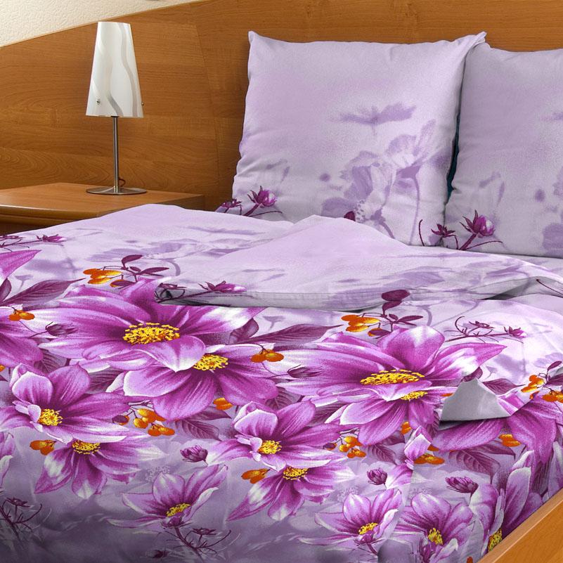 Комплект белья Letto Цветочный этюд, 1,5-спальный, наволочки 70х70, цвет: сиреневый. В-48-3В-48-3Комплект постельного белья Letto Цветочный этюд выполнен из бязи (100% натурального хлопка). Комплект состоит из пододеяльника на молнии, простыни и двух наволочек. Постельное белье оформлено ярким красочным рисунком. Гладкая структура делает ткань приятной на ощупь, мягкой и нежной, при этом она прочная и хорошо сохраняет форму. Ткань легко гладится. Благодаря такому комплекту постельного белья вы сможете создать атмосферу роскоши и романтики в вашей спальне.