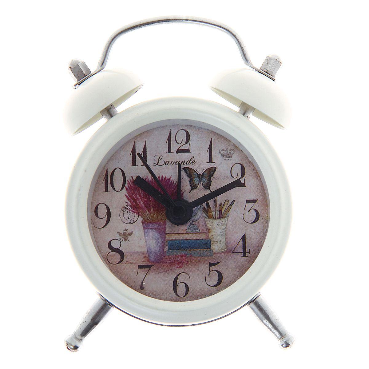 Часы-будильник Sima-land Цветы в вазе1056412Как же сложно иногда вставать вовремя! Всегда так хочется поспать еще хотя бы 5 минут и бывает, что мы просыпаем. Теперь этого не случится! Яркий, оригинальный будильник Sima-land Цветы в вазе поможет вам всегда вставать в нужное время и успевать везде и всюду. Будильник украсит вашу комнату и приведет в восхищение друзей. Эта уменьшенная версия привычного будильника умещается на ладони и работает так же громко, как и привычные аналоги. Время показывает точно и будит в установленный час. На задней панели будильника расположены переключатель включения/выключения механизма, а также два колесика для настройки текущего времени и времени звонка будильника. Будильник работает от 1 батарейки типа LR44 (входит в комплект).