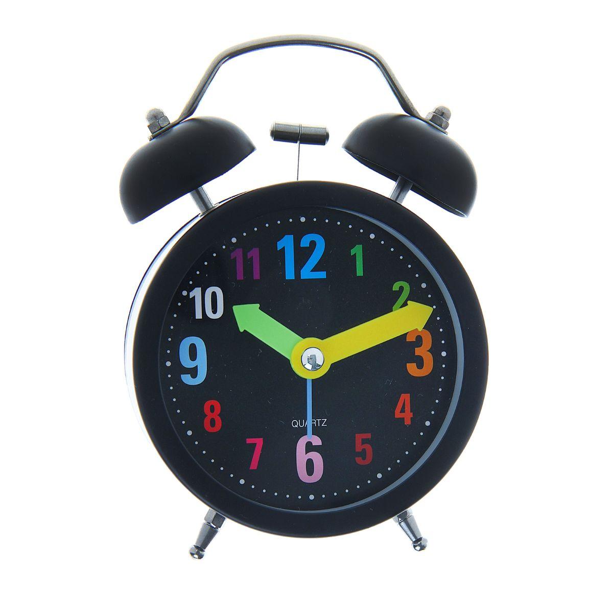 Часы-будильник Sima-land Разноцветные цифры1056418Яркий и оригинальный будильник Sima-land Разноцветные цифры поможет вам всегда вставать в нужное время и успевать везде и всюду. Корпус будильника выполнен из металла и пластика. Циферблат имеет разноцветные арабские цифры и 3 стрелки - секундную, минутную и часовую. Будильник украсит вашу комнату и приведет в восхищение друзей. Время показывает точно и будит в установленный час. На задней панели будильника расположены переключатель включения/выключения механизма, а также два колесика для настройки текущего времени и времени звонка будильника. Также будильник оснащен кнопкой, при нажатии и удержании которой, подсвечивается циферблат. Будильник работает от 1 батарейки типа AA напряжением 1,5V (не входит в комплект).