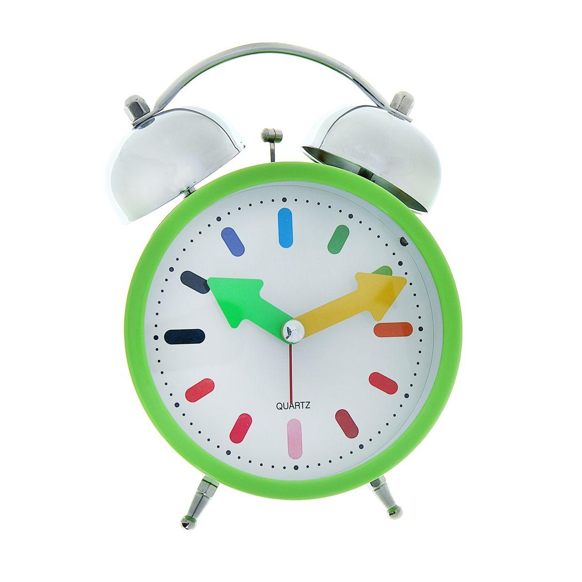 Часы-будильник Sima-land Яркое утро1056424Как же сложно иногда вставать вовремя! Всегда так хочется поспать еще хотя бы 5 минут и бывает, что мы просыпаем. Теперь этого не случится! Яркий, оригинальный будильник Sima-land Яркое утро поможет вам всегда ставать в нужное время и успевать везде и всюду. Будильник украсит вашу комнату и приведет в восхищение друзей. Точно показывает время и будит в установленный час. На задней панели будильника расположены переключатель включения/выключения механизма, а также два колесика для настройки текущего времени и времени звонка будильника. Будильник работает от двух батареек типа AA напряжением 1,5V (не входит в комплект).