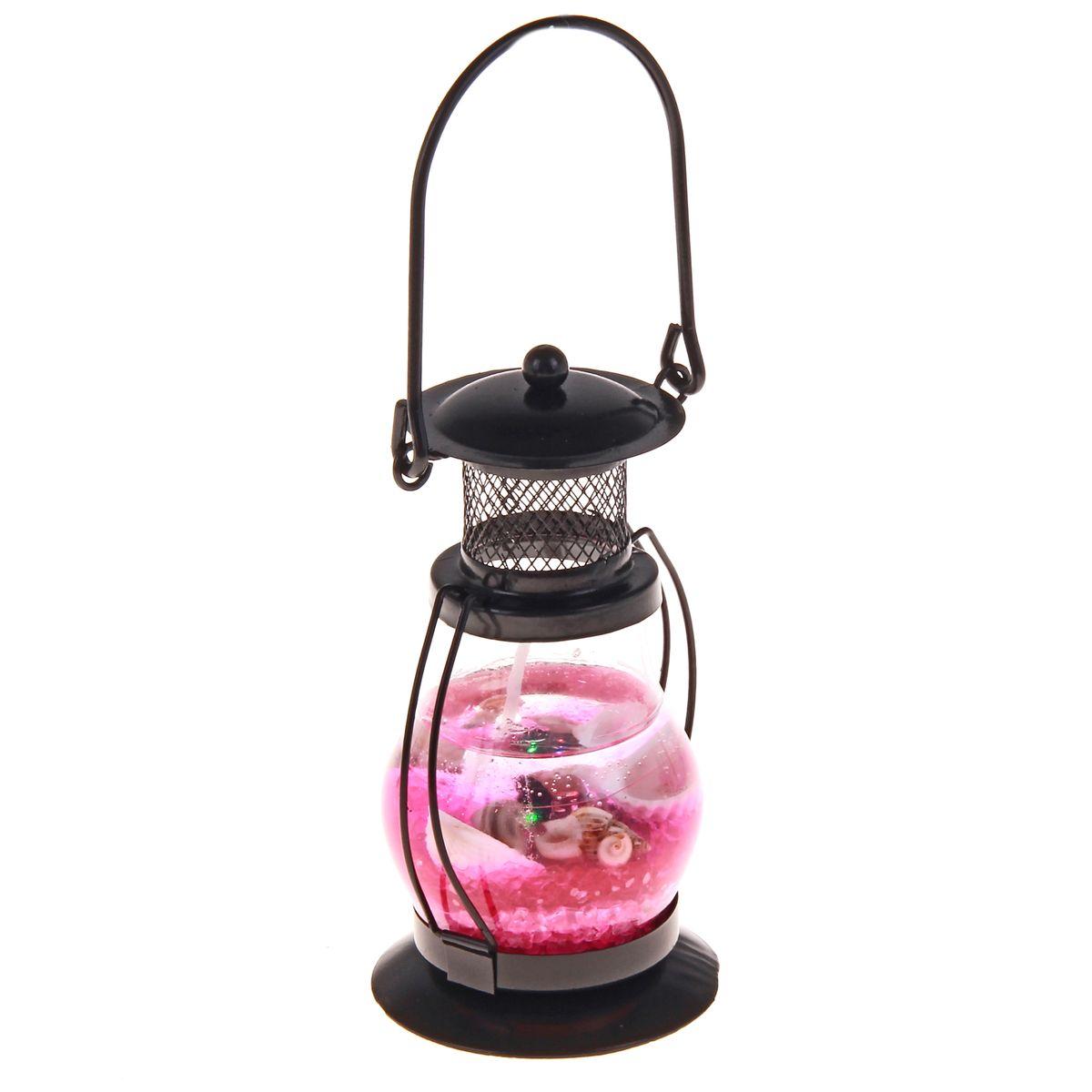 Свеча декоративная Sima-land Фонарик, цвет: черный, розовый, высота 13 см. 169145169145Декоративная свеча Sima-land Фонарик изготовлена из геля и расположена внутри фонарика, изготовленного из стекла и металла. Изделие оформлено ракушками и морской звездой. Такая свеча может стать отличным подарком или дополнить интерьер вашей комнаты. Высота (без учета ручки): 13 см.